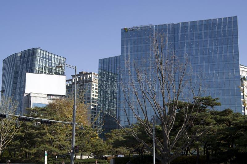 Edificios de oficinas Seul de la arquitectura moderna imagen de archivo libre de regalías