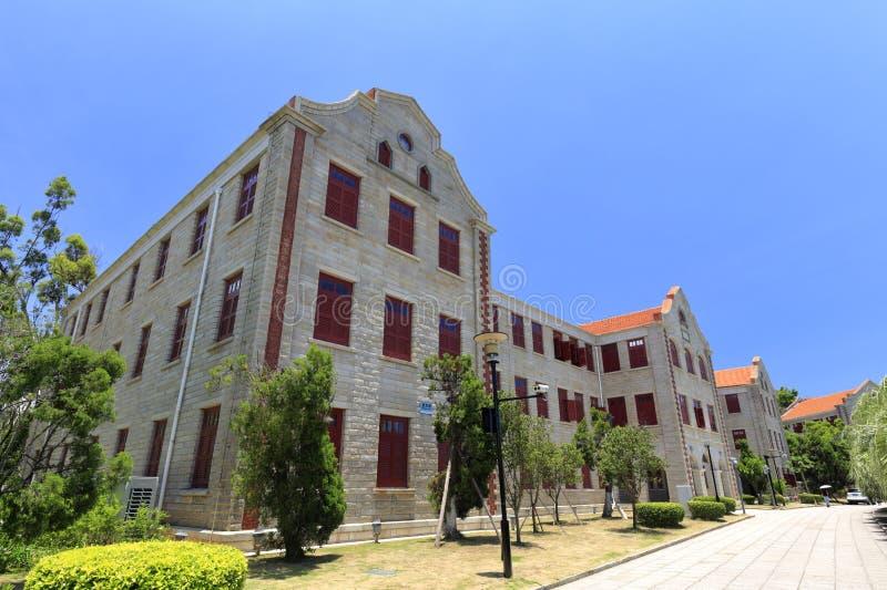 Edificios de piedra antiguos en el campus universitario de Xiamen, adobe rgb foto de archivo