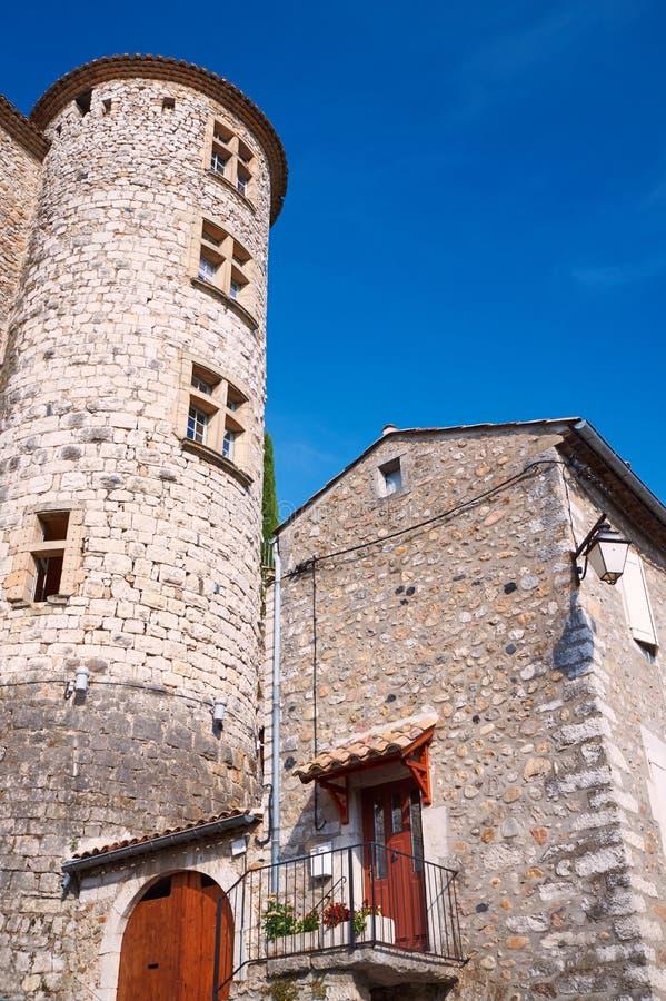 Edificios de piedra en la ciudad medieval de Vogue imagen de archivo libre de regalías