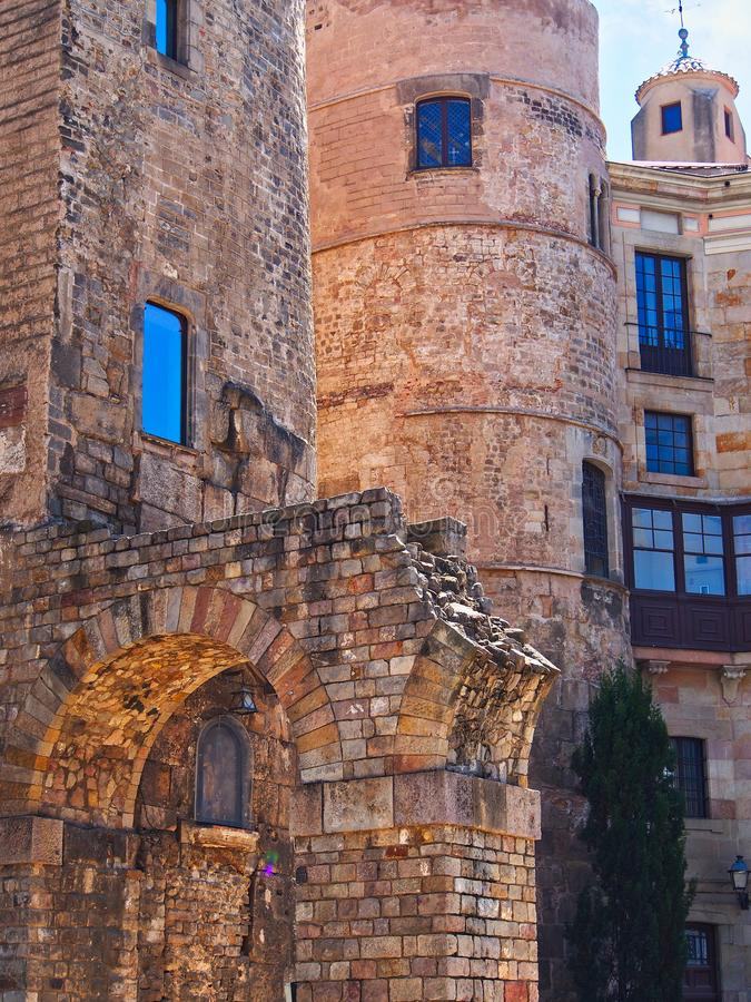 Edificios de piedra viejos, cuarto gótico, Barcelona, Cataluña, España fotos de archivo