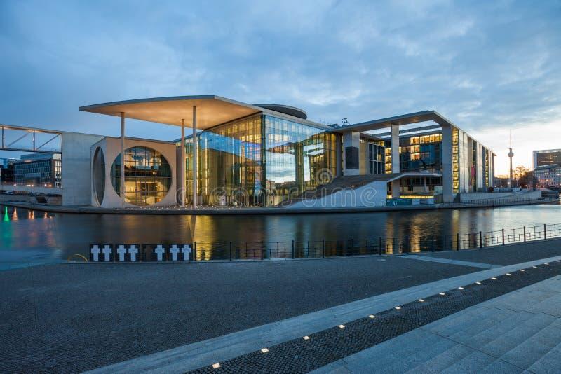 Edificios del auxiliar del Parlamento alemán del alemán imagen de archivo