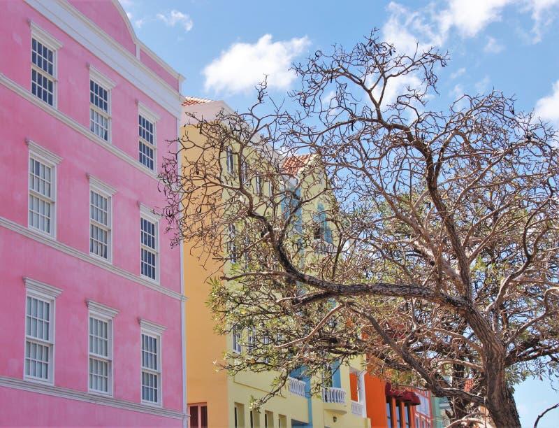 Edificios del Caribe coloridos fotografía de archivo libre de regalías