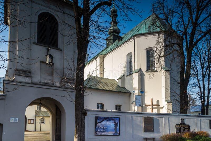 Edificios del convento en la ciudad de Radomsko en Polonia central fotos de archivo libres de regalías