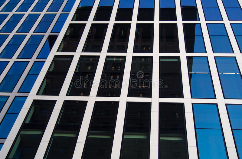 Download Edificios Del Negocio (Japón-centro Y Reflexión De La Torre De Taunus Foto de archivo - Imagen de francfort, alto: 42442516
