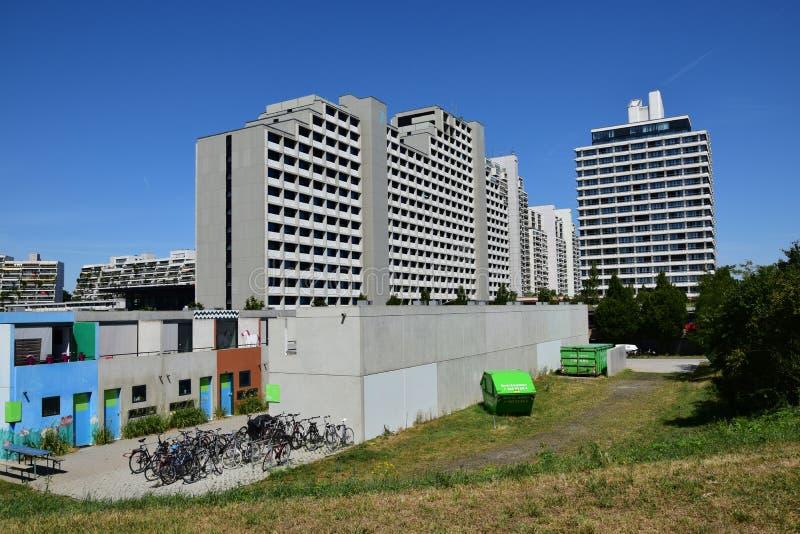 Edificios del pueblo olímpico anterior en Munich, Alemania foto de archivo