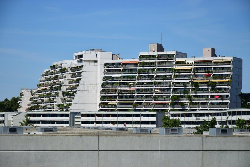 Edificios del pueblo olímpico anterior en Munich, Alemania fotografía de archivo libre de regalías
