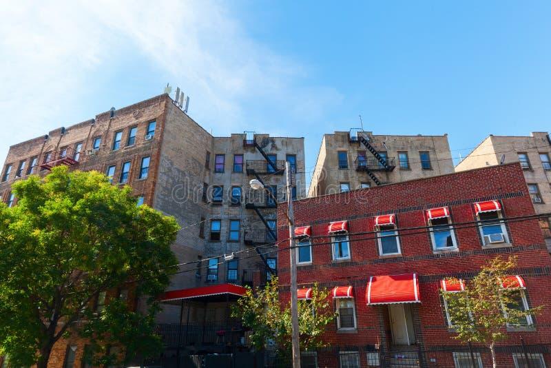 Edificios en el punto de las cazas, Bronx, NYC fotos de archivo