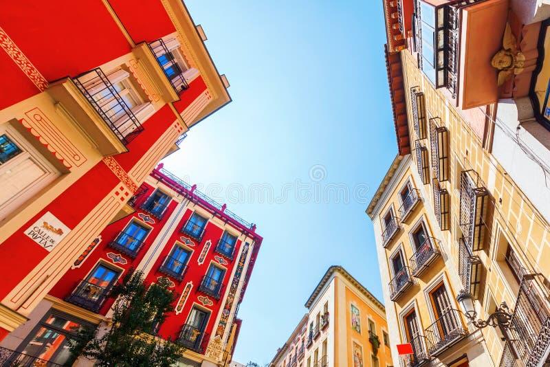 Edificios en la ciudad vieja de Madrid, España fotos de archivo libres de regalías