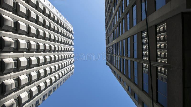 Edificios gemelos fotografía de archivo libre de regalías