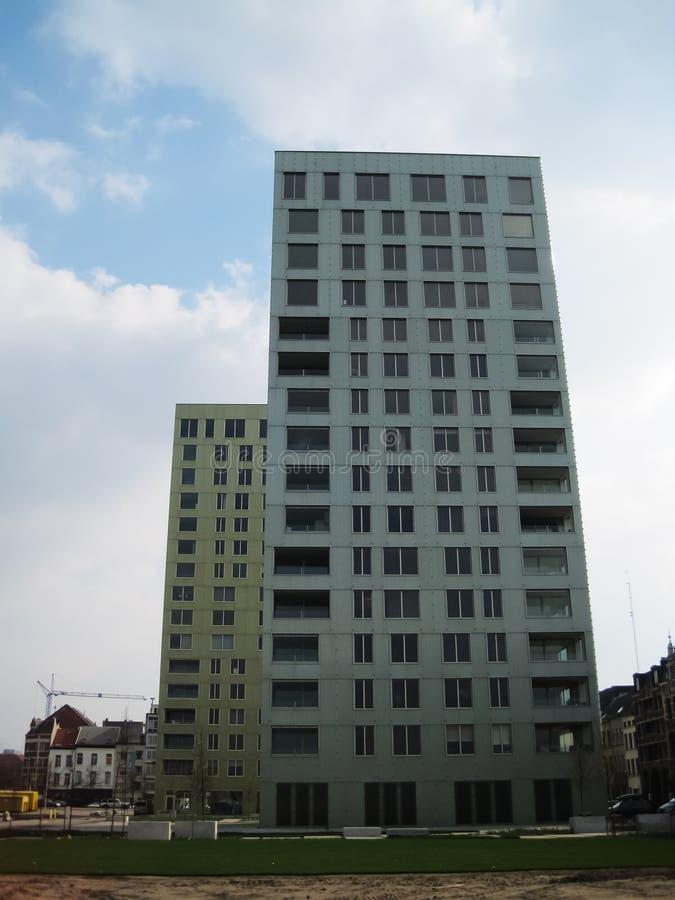 Edificios gemelos en Amberes fotos de archivo