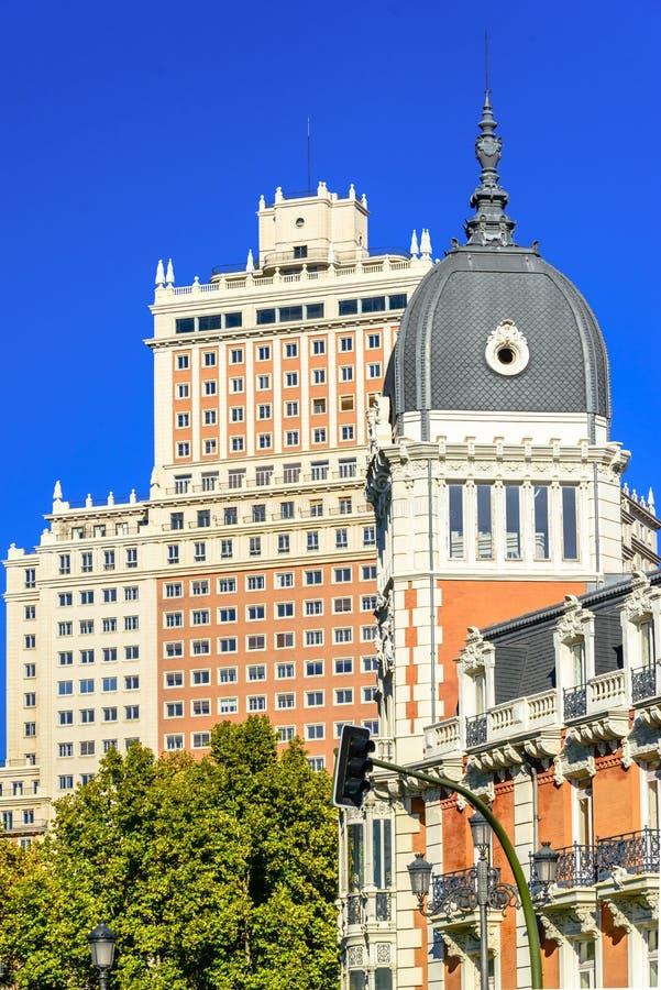 Edificios históricos en el centro de ciudad de Madrid imágenes de archivo libres de regalías