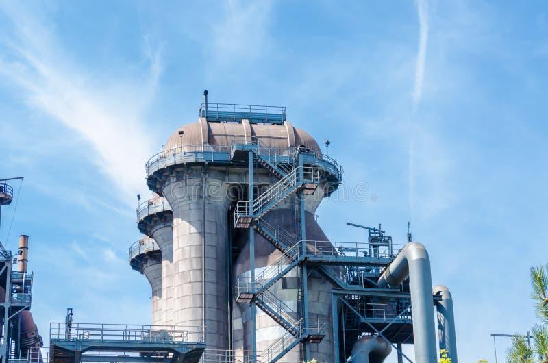 Edificios industriales, horno, torre imágenes de archivo libres de regalías