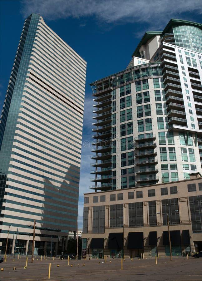 Edificios modernos céntricos en Denver, Colorado imagen de archivo libre de regalías