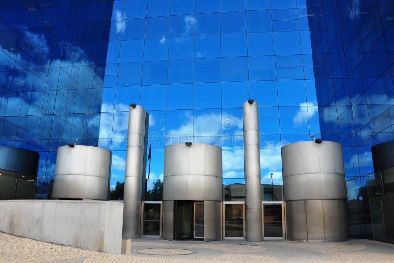 Edificios modernos de Lisboa imagen de archivo libre de regalías