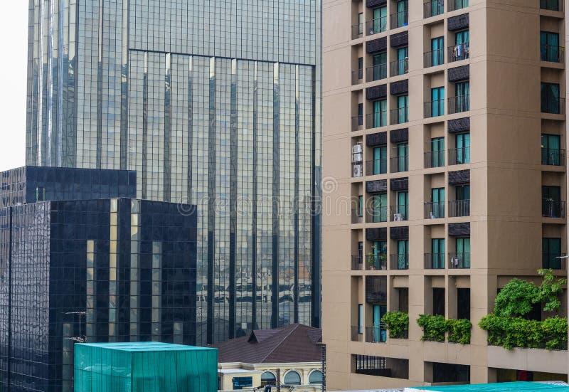 Edificios modernos en Bangkok, Tailandia fotos de archivo