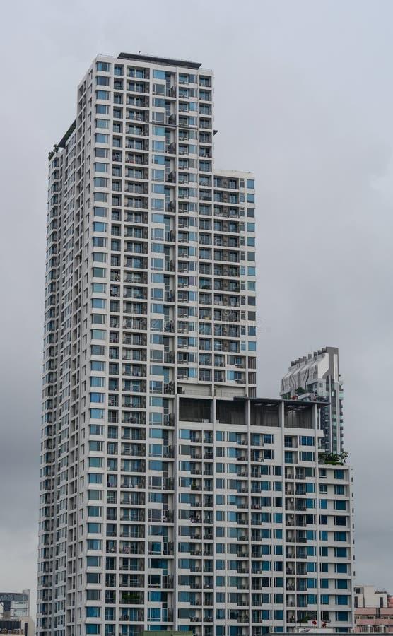 Edificios modernos en Bangkok, Tailandia imagenes de archivo