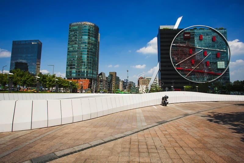 Edificios modernos en el distrito de Gangnam en Seul imágenes de archivo libres de regalías