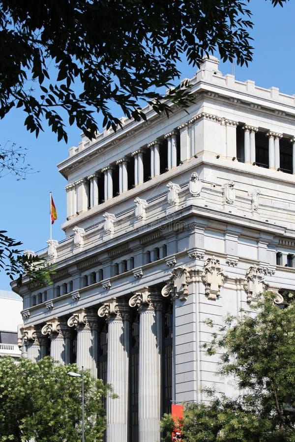 Edificios neoclásicos de Madrid, España imagenes de archivo