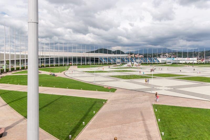 Edificios olímpicos de las instalaciones en parque olímpico en Sochi, Rusia imágenes de archivo libres de regalías