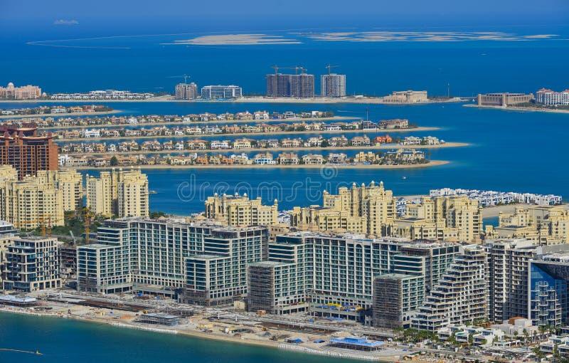 Edificios residenciales en la palma Jumeirah foto de archivo libre de regalías