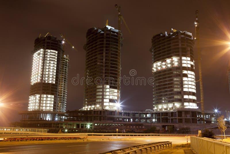 Edificios urbanos bajo construcción foto de archivo libre de regalías