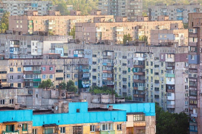 Edificios viejos en Ucrania Vivienda vieja apretada foto de archivo libre de regalías