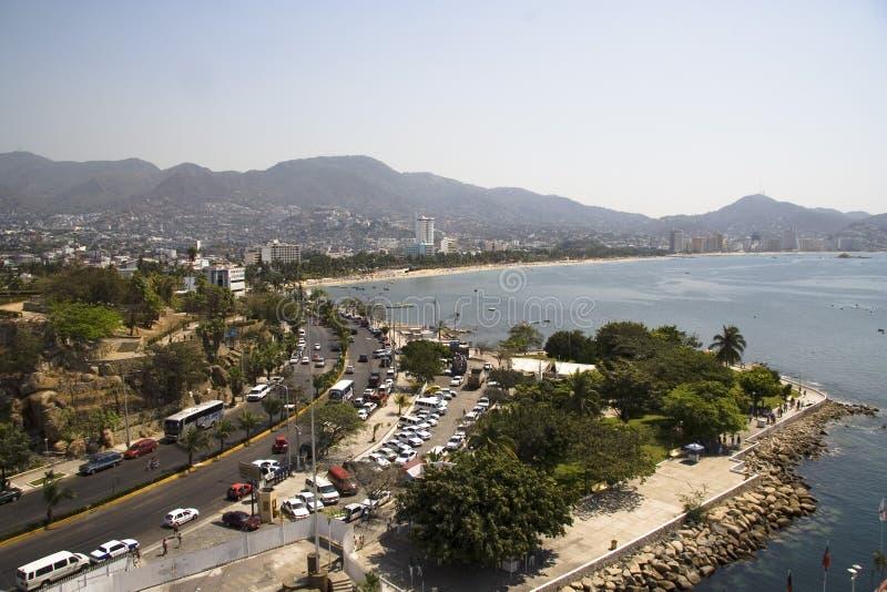 Edificios y bahía de Acapulco fotografía de archivo libre de regalías