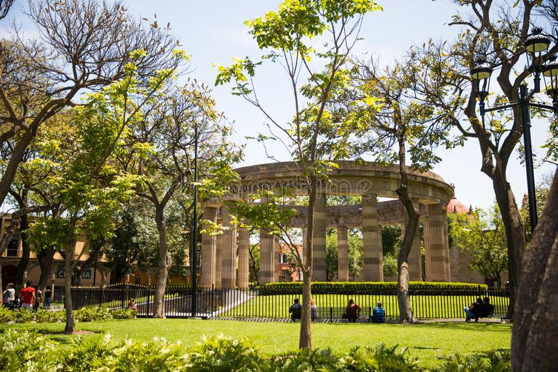 Edificios y estatuas del cuadrado de la liberación fotos de archivo libres de regalías