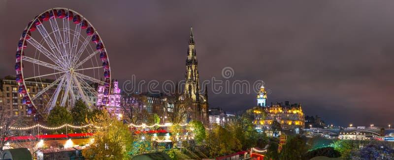 Edimburgo, Scotalnd, Reino Unido - 14 de novembro de 2016: Skyline de Edimburgo foto de stock