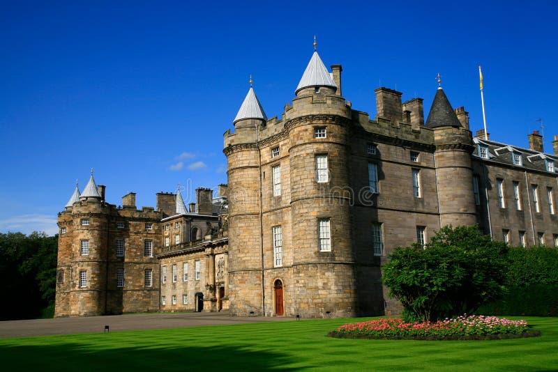 edinburgh arbeta i trädgården holyroodslotten scotland arkivfoto
