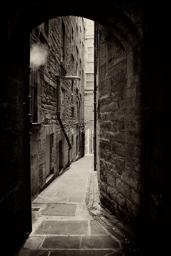 Edinburgh-Gasse Sepia lizenzfreie stockbilder