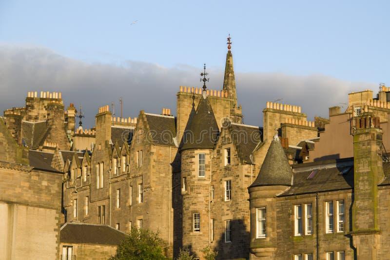 Edinburgh hus i solnedgång royaltyfri foto