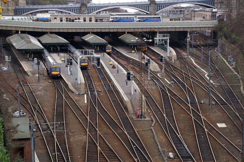 edinburgh jest stacji pociągu waverley fotografia royalty free
