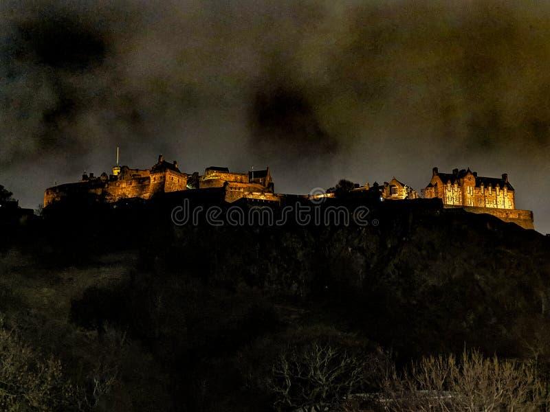 Edinburgh-Nachtlicht lizenzfreies stockfoto