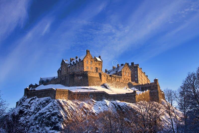 Edinburgh-Schloss im Winter-Sonnenuntergang lizenzfreie stockbilder