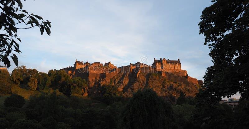 Edinburgh-Schloss am Sonnenuntergang lizenzfreies stockfoto