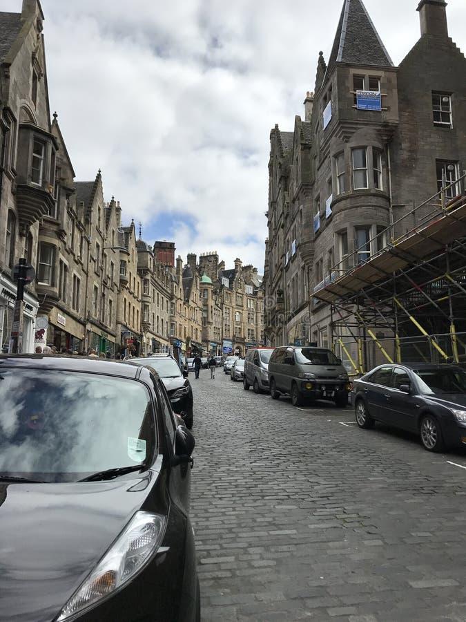 EDINGURGH, SCOTLAND/UNITED KINGDOM – AUGUST 11, 2017: Miedieval street and buildings in Edingburgh, Capital of Scotland, Un. EDINBURGH, SCOTLAND royalty free stock image