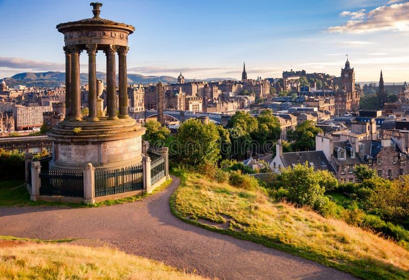 Edinburgh-Stadtbild angesehen von Calton-Hügel Schottland Großbritannien lizenzfreies stockfoto