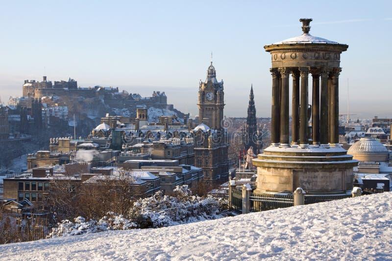 Edinburgh-Winter-Stadt-Ansicht stockfotos