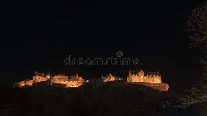 Edinburgslott vid natt royaltyfria foton