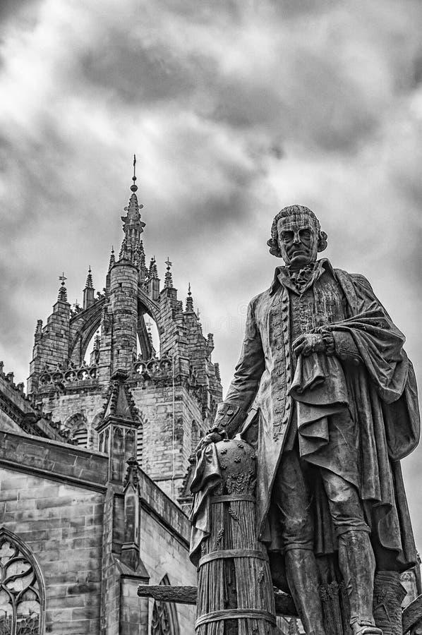 Edinburgstaty av Adam Smith royaltyfri bild