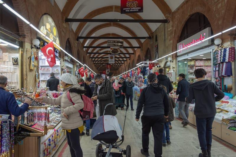 EDIRNE, TURCJA - 03/02/2019: Selimiye meczet i zabytek Osmański sułtan Mehmed II z średniowiecznym działem w mieście Edirne, wsch fotografia royalty free