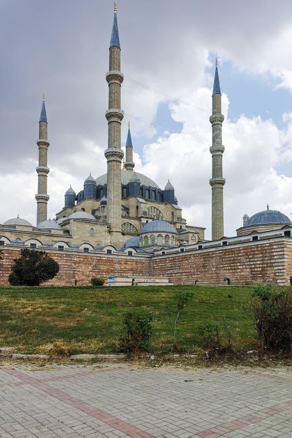EDIRNE, TURQUÍA - 26 DE MAYO DE 2018: Vista exterior de la mezquita de Selimiye construida entre 1569 y 1575 en la ciudad de Edir fotografía de archivo libre de regalías