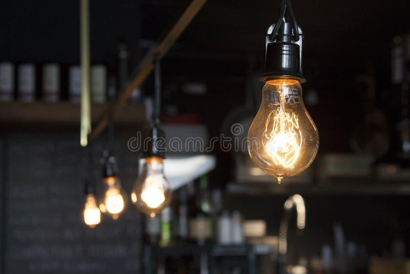 Εκλεκτής ποιότητας καφετερία λαμπών φωτός του Edison στοκ εικόνες με δικαίωμα ελεύθερης χρήσης