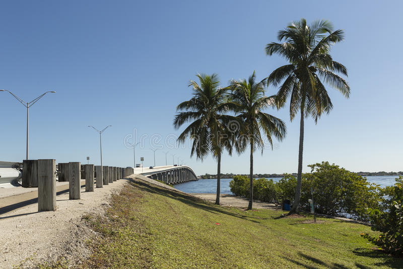 Edison Bridge in Fort Myers, Südwesten Florida lizenzfreie stockfotos