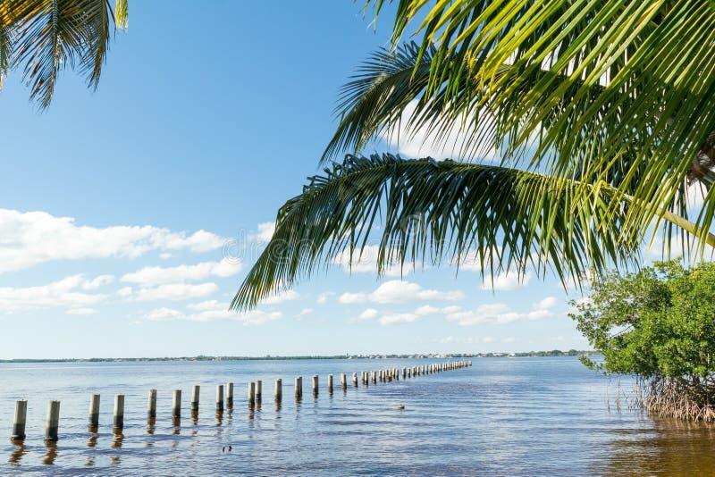 Edison Pier no rio de Caloosahatchee, Fort Myers, Florida, EUA imagens de stock