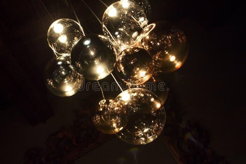 Edison ` s lampa w nowożytnym stylu i żarówka grże brzmienie fotografię zdjęcia stock