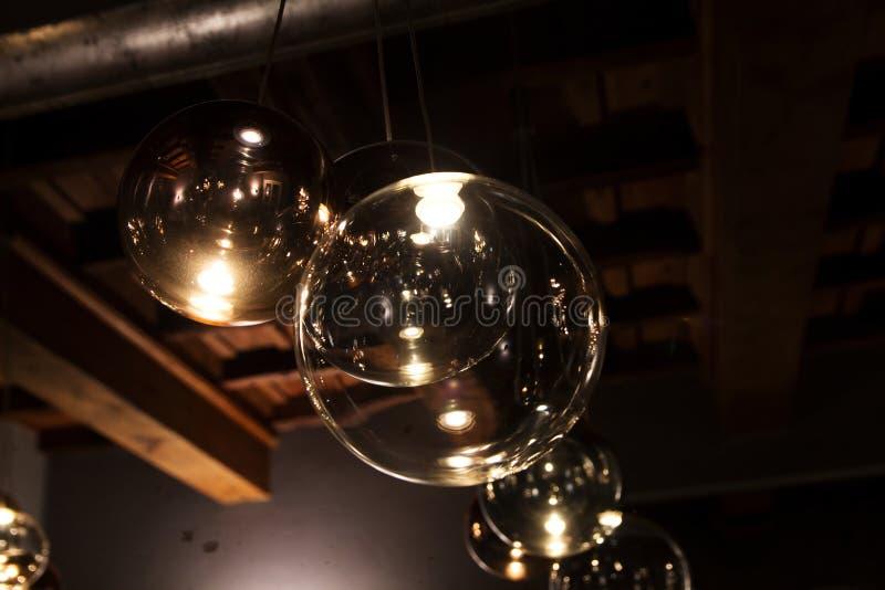 Edison ` s lampa w nowożytnym stylu i żarówka grże brzmienie fotografię zdjęcie royalty free