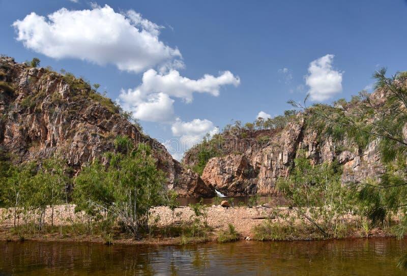 Edith Falls es una serie de cascadas y de piscinas de conexión en cascada fotos de archivo libres de regalías