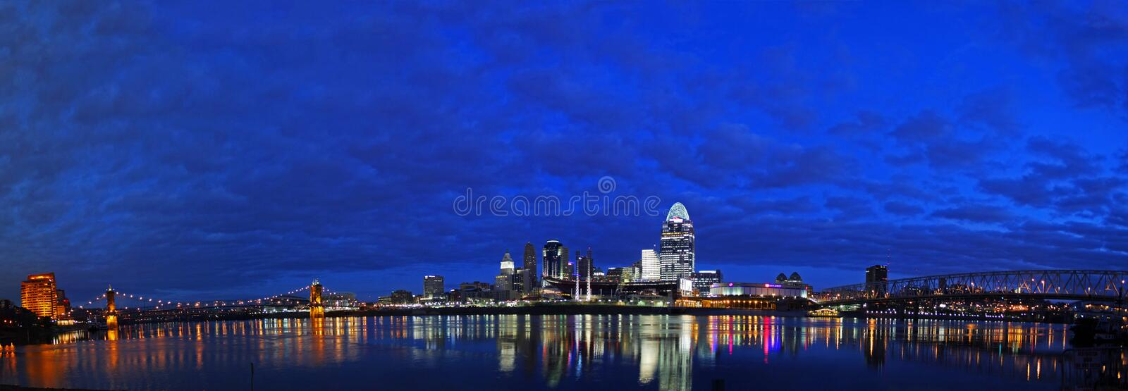 Download EDITORIAL Cincinnati Early In The Morning Editorial Stock Image - Image: 28960429
